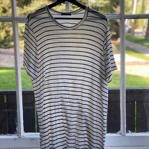 Long loose striped t-shirt